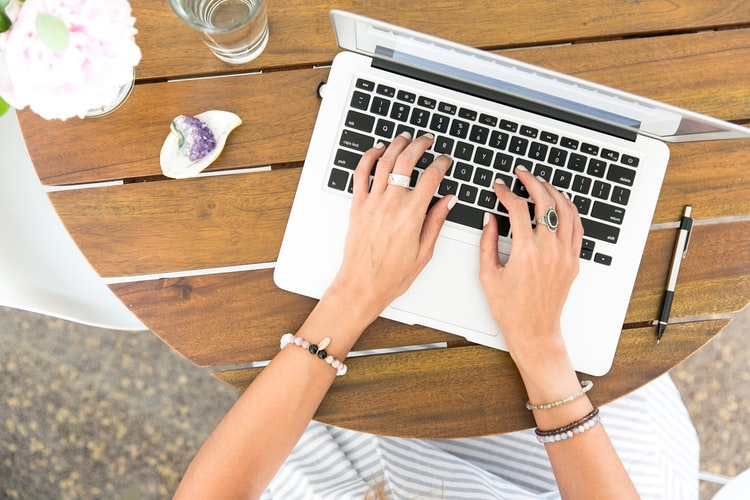 5 Sites that Offer Jobs in Freelance Writing